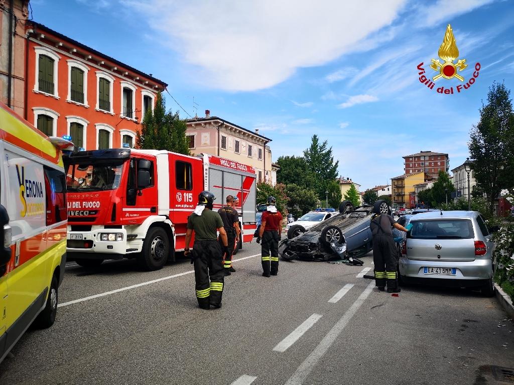 carambola-incidente-stradale-via-xx-settembre-san-martino-buon-albergo-3-2