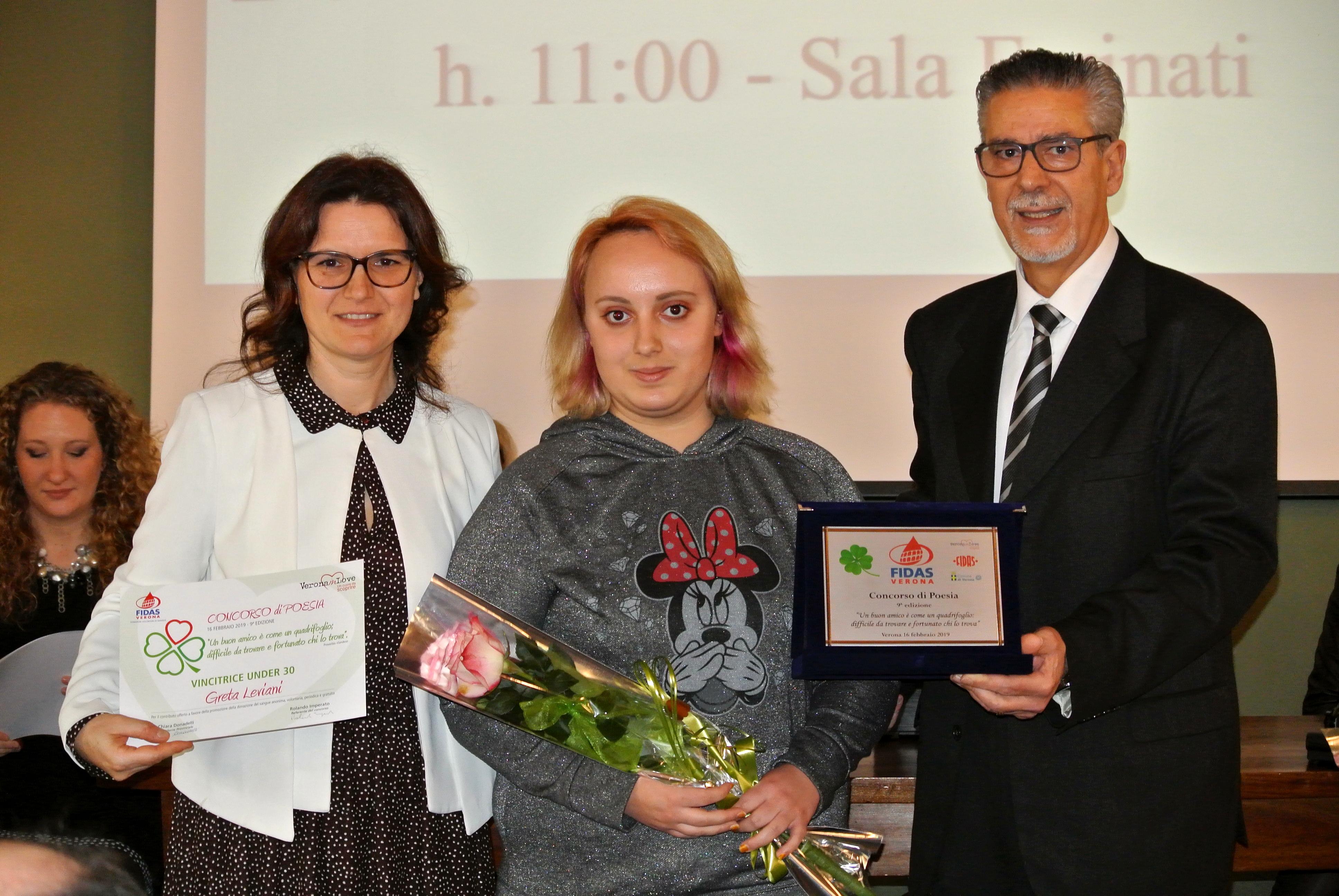 Greta Leviani vincitrice under 30 con la presidente Fidas Verona Chiara Donadelli e Rolando Imperato-2