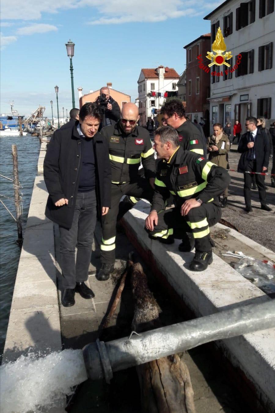 vigili del fuoco verona acqua alta venezia presidente conte-2