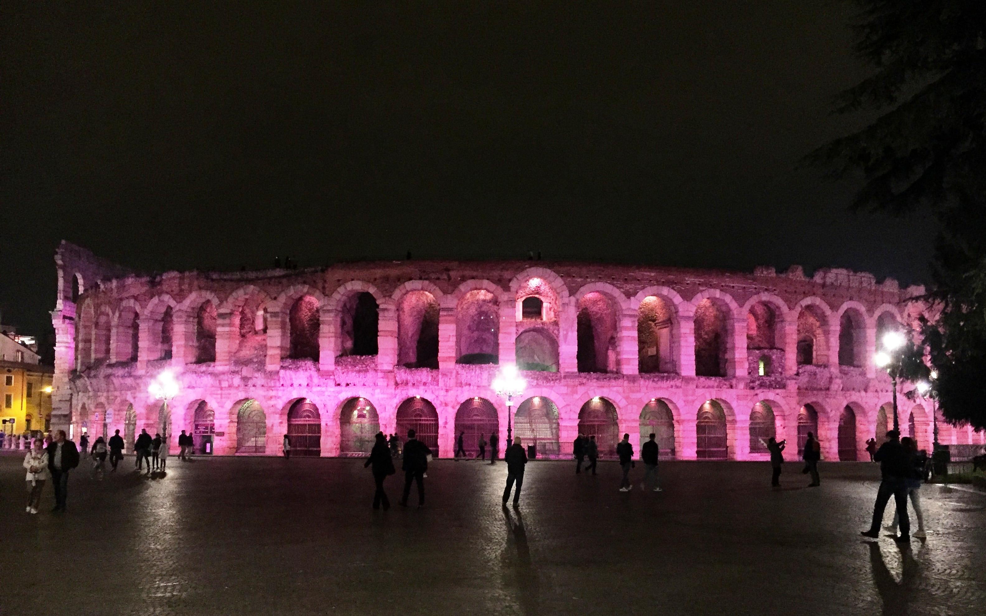 L'Arena illuminata di rosa per sostenere la prevenzione-2
