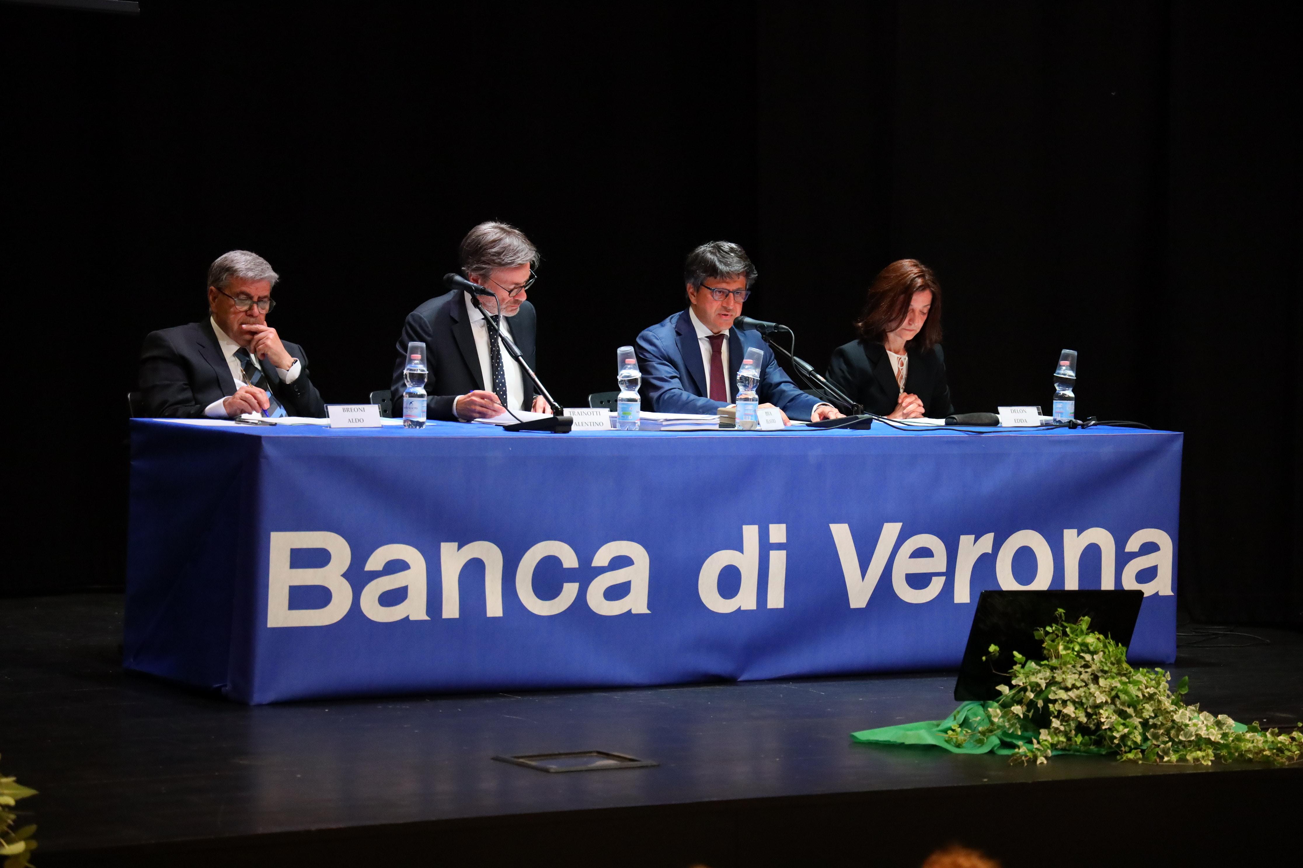 tavolo-banca-verona-2