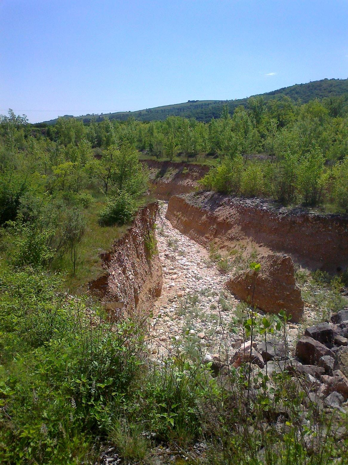 resized_profonde erosioni a valle briglia-2