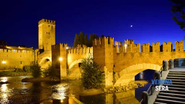 """E quindi uscimmo a riveder...Verona"", visite guidate serali imperdibili durante l'estate"