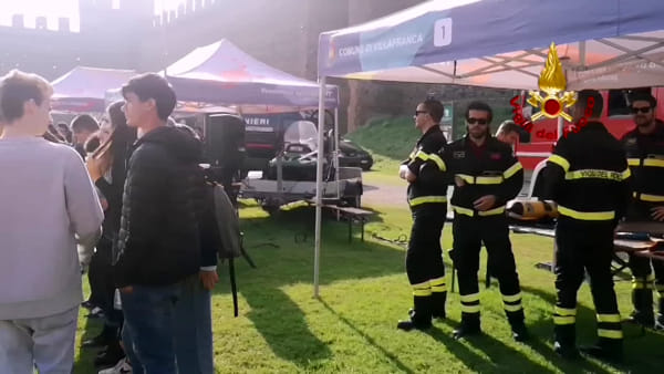 """Anche i vigili del fuoco a Villafranca di Verona per il """"Carosello con le Divise"""""""