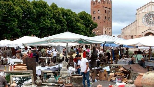 A San Zeno il grande mercato Verona Antiquaria