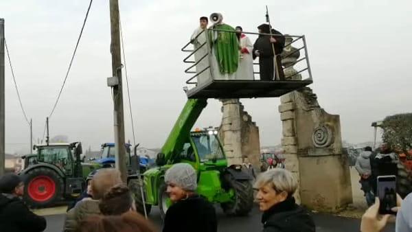 """La """"Benedizione dei trattori"""": Grezzano celebra Sant'Antonio Abate"""