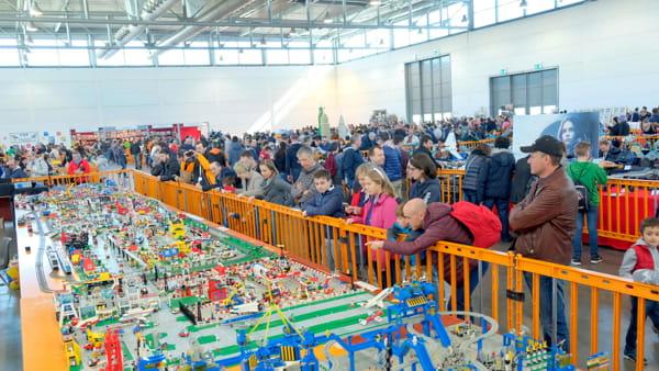 model-expo-lego-gente-2