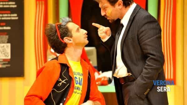 stagione teatrale 2018: forbici follia -2