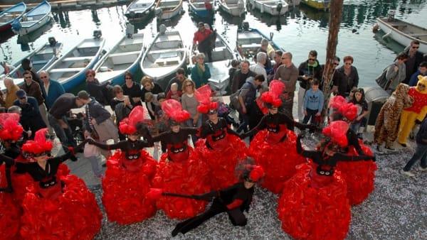 Il carnevale di Bacco e Arianna a Bardolino tra musica, colori e grande sfilata delle maschere