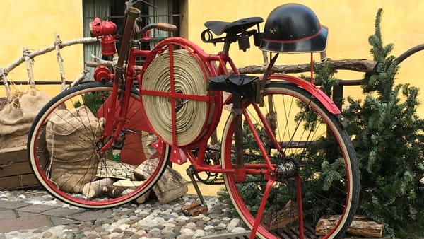 """Al CosmoBike Show di Verona il Museo Nicolis porta la """"Bici del Pompiere"""""""