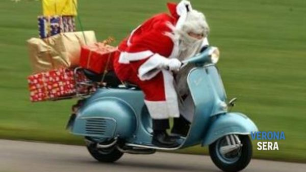 """Da Villafranca a Verona la divertente sfilata """"Babbo Natale in moto"""""""