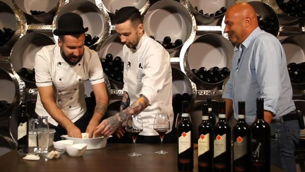 Passaggio per passaggio, un video spiega come fare la pizza all'Amarone
