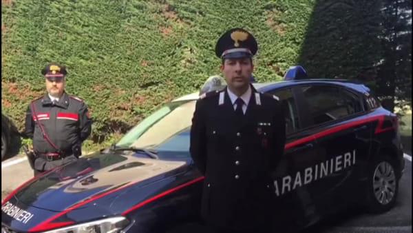 Guida ubriaco, provoca incidente e nel controllo aggredisce i carabinieri