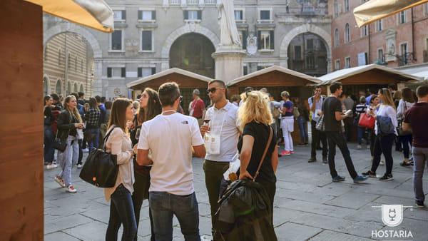 """Arte, cultura, divertimento, musica e buon vino: torna a Verona il festival """"Hostaria"""""""