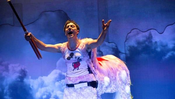 """Filippo Timi sul palco del Teatro Camploy a Verona per lo spettacolo """"Skianto"""""""
