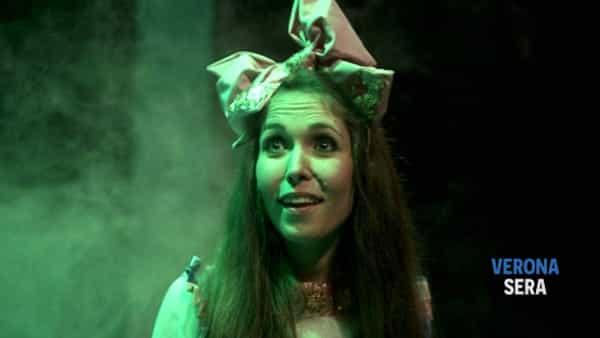"""Teatro per bambini a Peschiera del Garda con """"Alice nel paese delle meraviglie"""""""