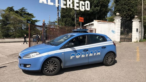 Polizia all'AlterEgo (Foto di repertorio)