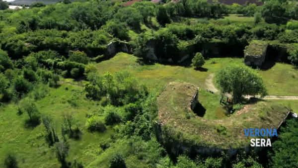 Droni in volo su Forte Santa Caterina per valutarne il recupero: le spettacolari immagini