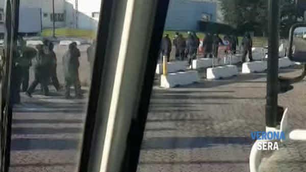 Soci-lavoratori della coop L&P in sciopero allo stabilimento dell'Aia