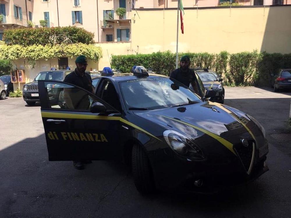 2019 7 giugno arresto erioina spaccio guardia di finanza verona 2-2