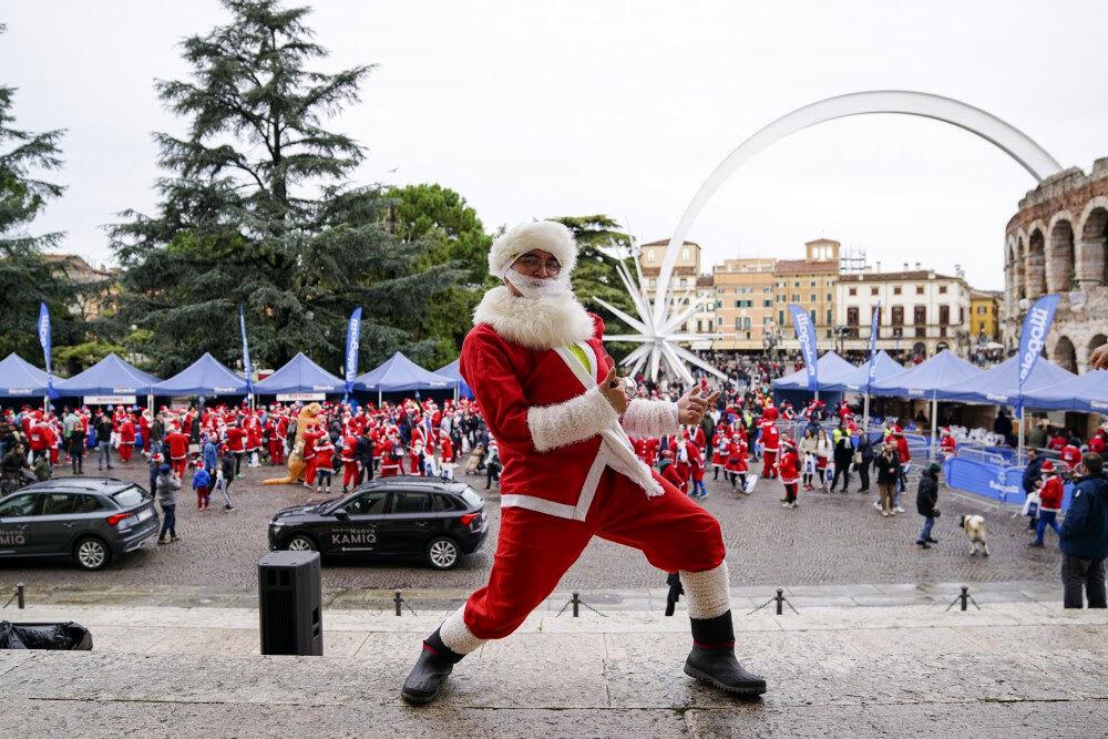 Babbi Natale.Di Corsa Vestiti Da Babbo Natale E La Melegatti Christmas Run Verona Dal 13 Al 25 Dicembre 2020 Eventi A Verona