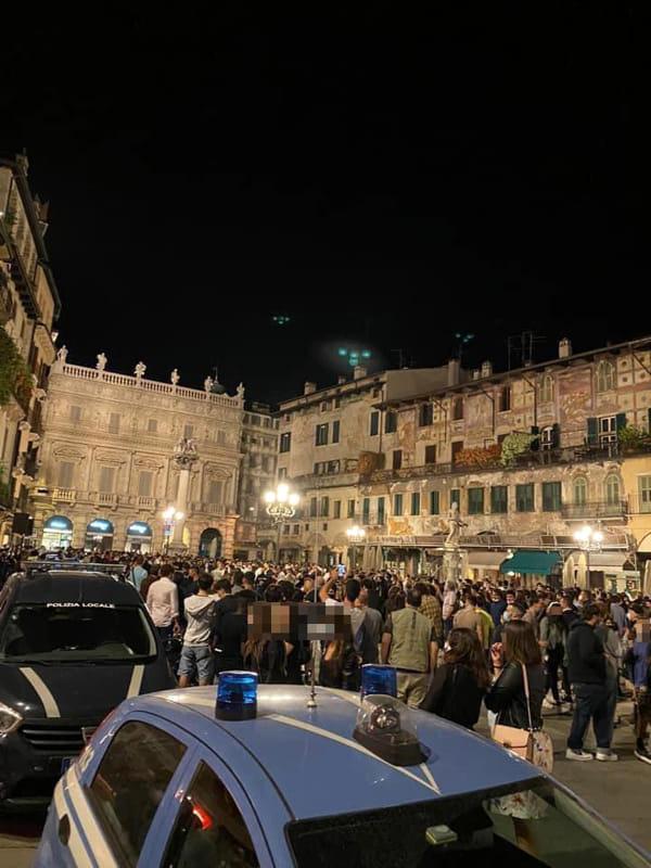 Piazza Erbe Verona 22 maggio 2020