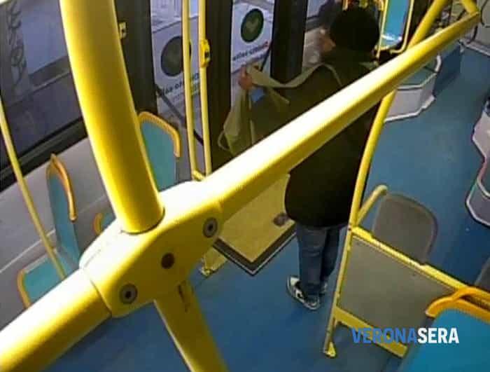 allarme bomba bus 33 6